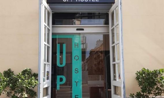 Entrada Up Hostel